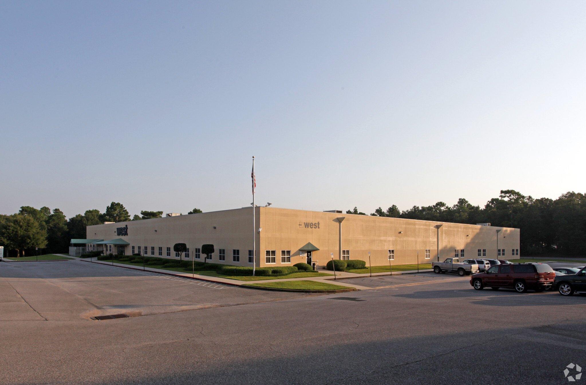 5031 Commerce Park Circle, Pensacola, FL