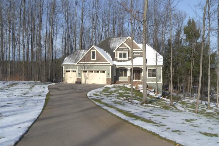 Amazing northern michigan homes traverse city craftsman for Michigan home builders