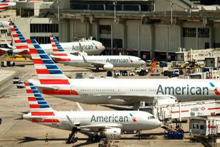 American Airlines Group Inc (NASDAQ:AAL) Director Alberto Ibarguen Sells 4229 Shares