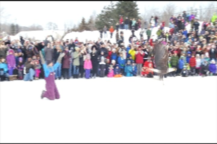 Sutton Bay Michigan Map.Hundreds Watch Wings Of Wonder Release Bald Eagle In Suttons Bay 9