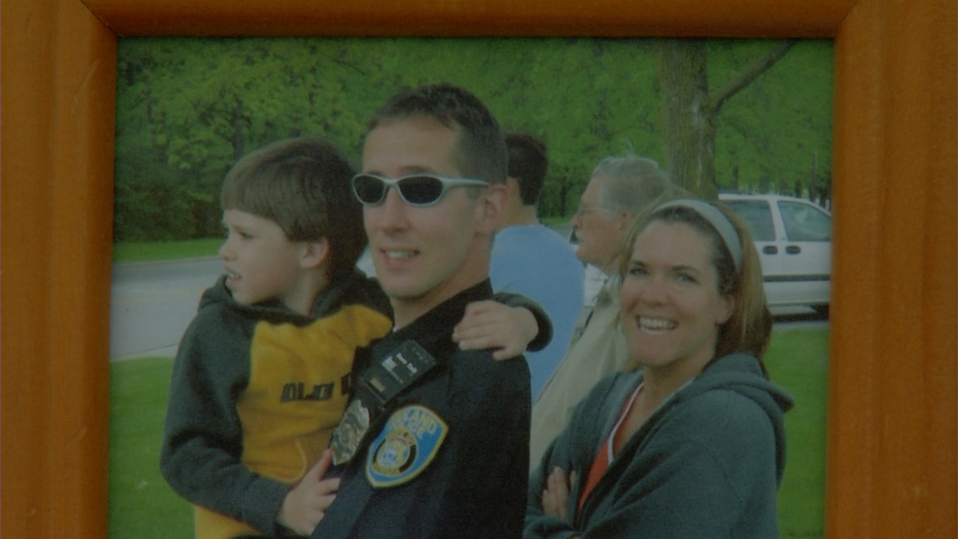 Midland Police Surprise Fallen Officers Son At Graduation Party