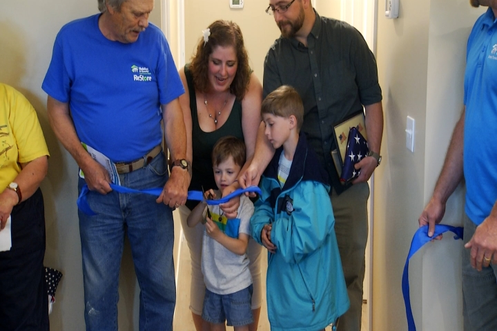 Northern Michigan Navy Vet and Family Get Keys to New