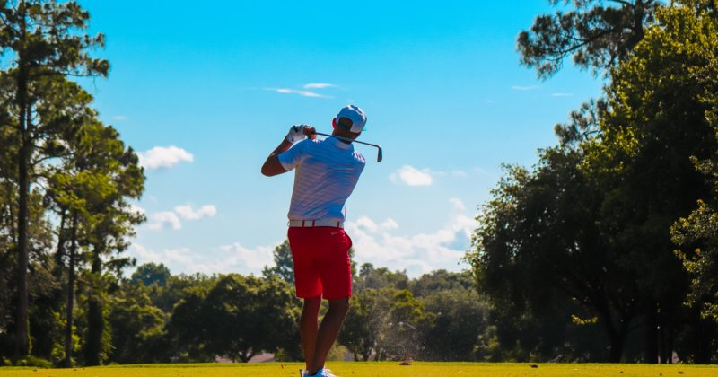 Stock Photo Male Golfer Swinging 800x420
