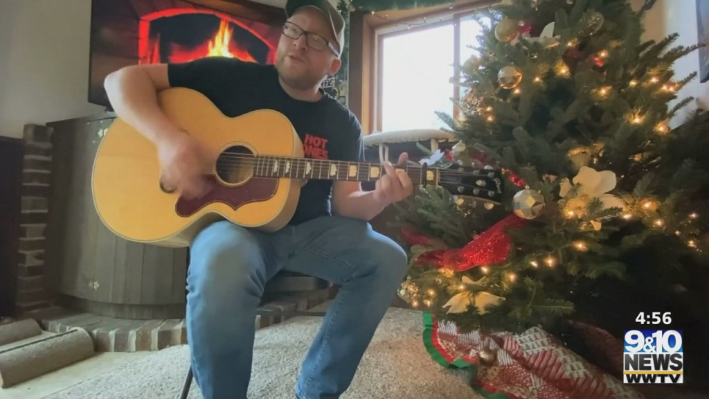 "The Four: Friday Sessions On 'the Four': Sean Miller Performs ""christmas Lights"" By Coldplay"