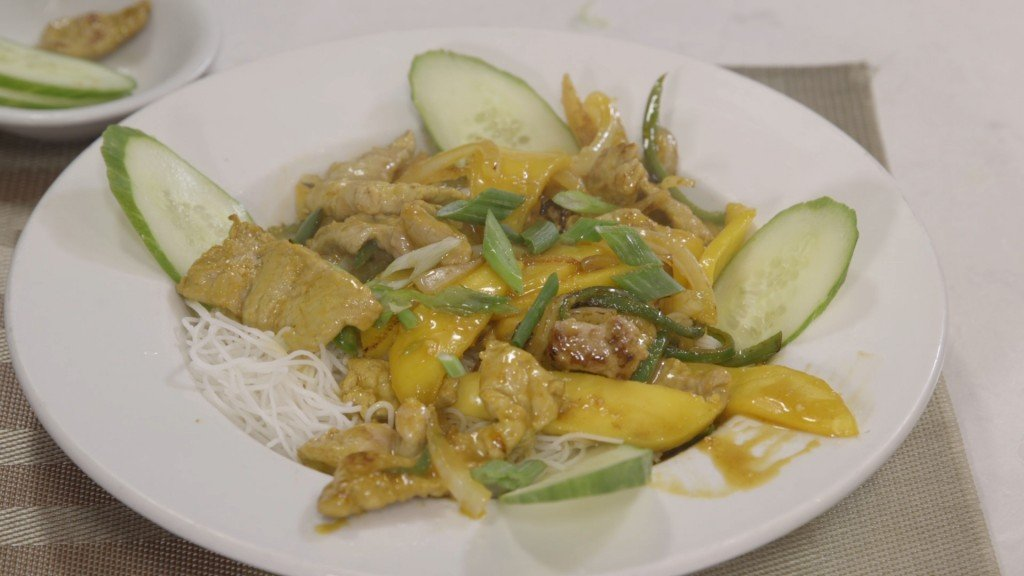 Spicy Mango Pork With Rice Noodles