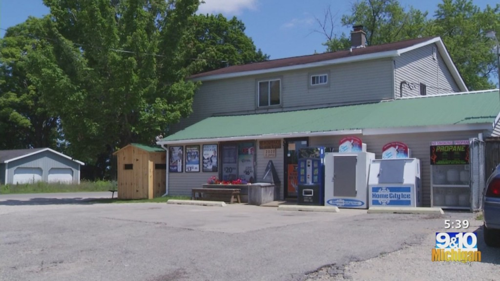 Michigan Family Of Seven Moves To Northern Michigan To Run Cadillac General Store