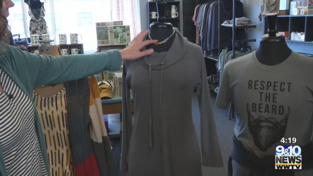 The Four: 'relish' Ing For Fall Fashions