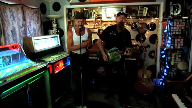The Four: Friday Sessions On 'the Four': Crosscut Kings Perform 'simma Down''
