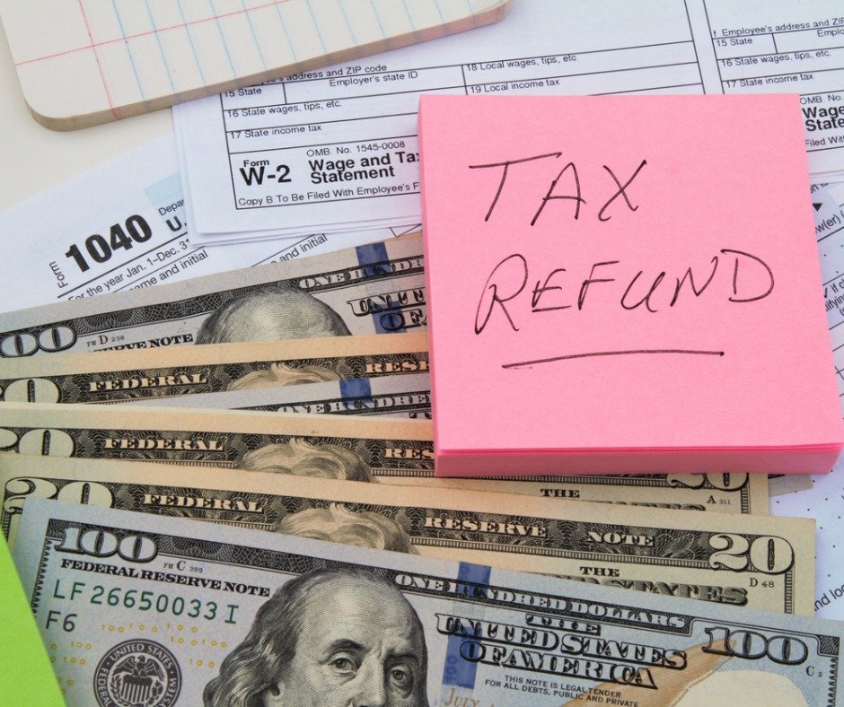 Tax Return Forms With Us Currency And Reminder Note Picture Id1084231880