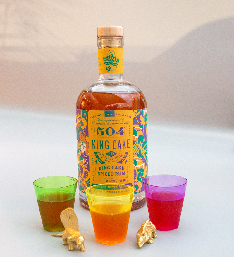 504king Cake Bottle With Colored Shot Glasses