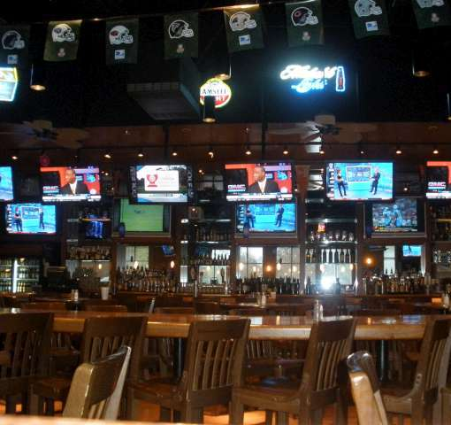 Hickory Tavern A Finalist For Espn S Best Sports Bar In North America Charlotte Magazine