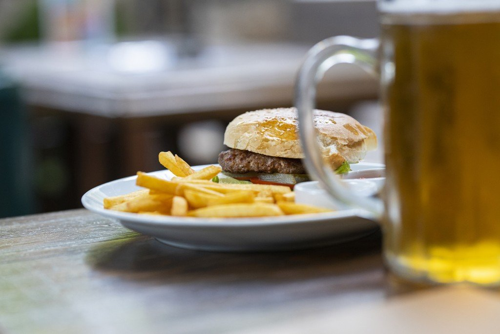 Burger 4683388 1920