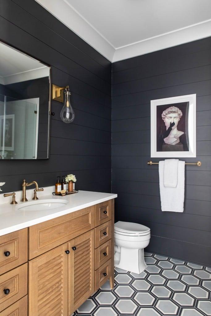 Benjamin Moore Cheating Heart Shiplap Bathroom With Louvered White Oak Vanity 2