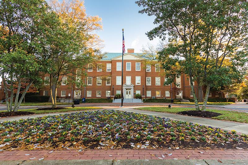 Collegetransitions Wakeforestuniv Creditbryanpollard Shutterstock
