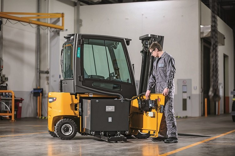 Why companies are converting their forklift fleets to electric - ColoradoBiz Magazine