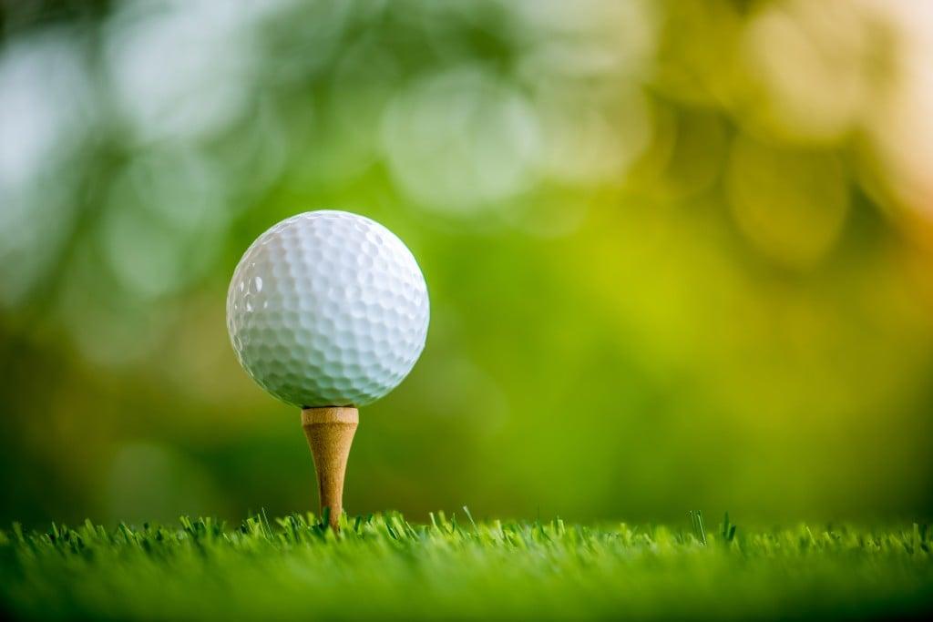Golf,ball,on,tee,ready,to,play