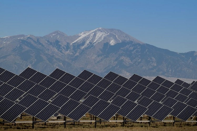 energy-report-solar-panels-san-luis-valley