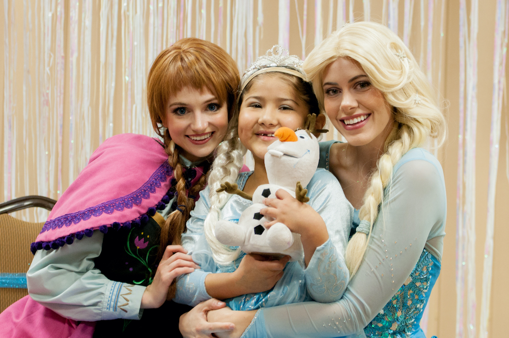 Alondra Martinez Alamnza To Have A Frozen Party 2014
