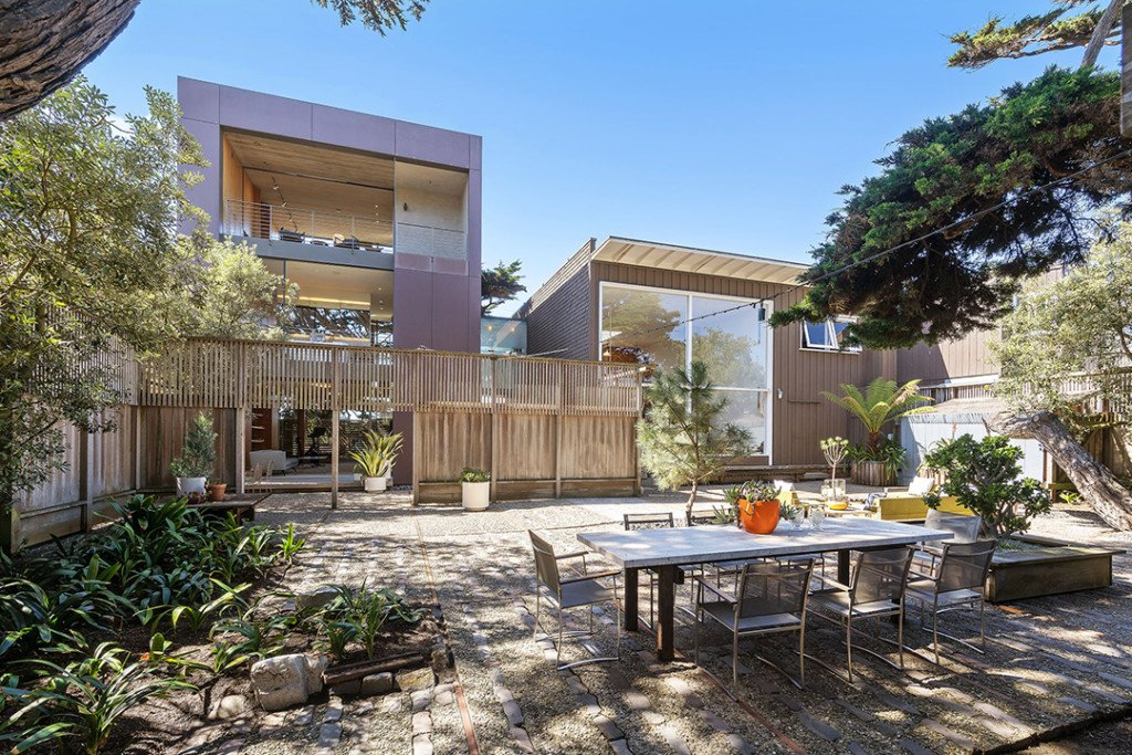 Two modern structure and a tranquil outdoor entertaining area