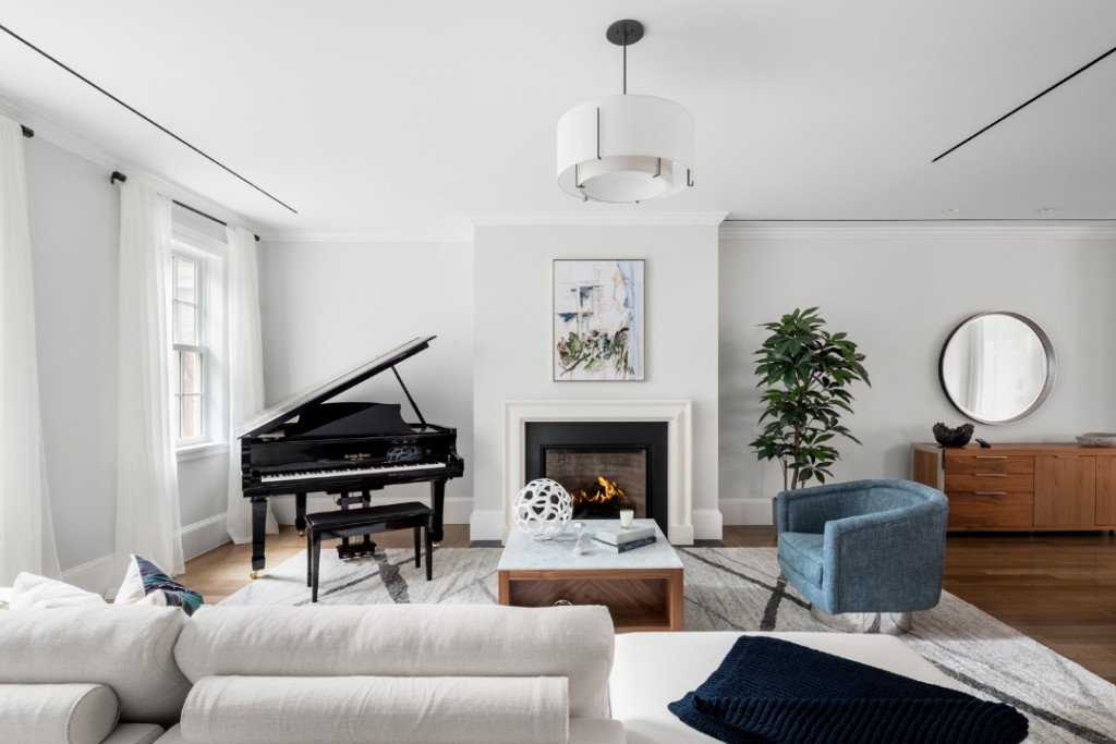 A 187-Year-Old Brooklyn Townhouse Wants $10M Living Room Piano