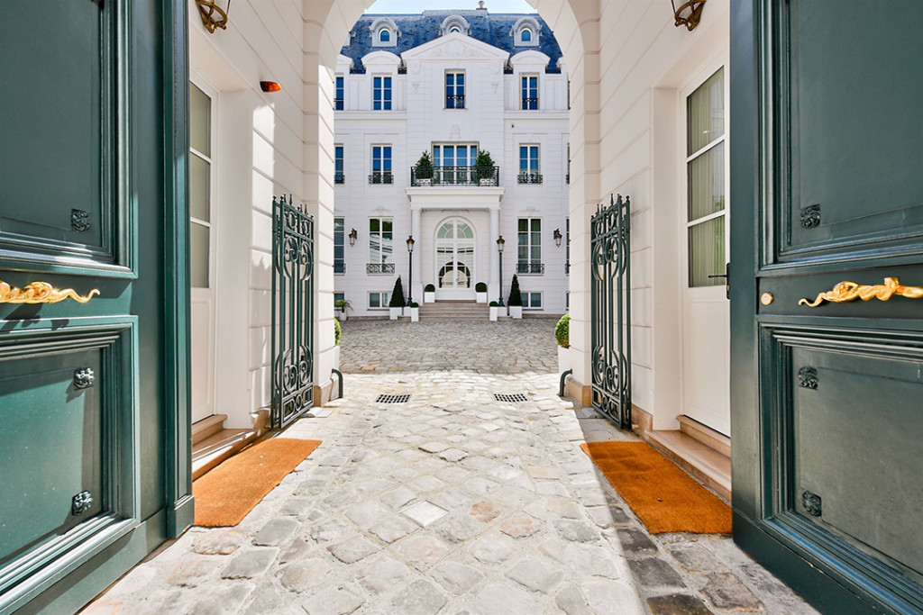 Entrance to a Paris Mansion