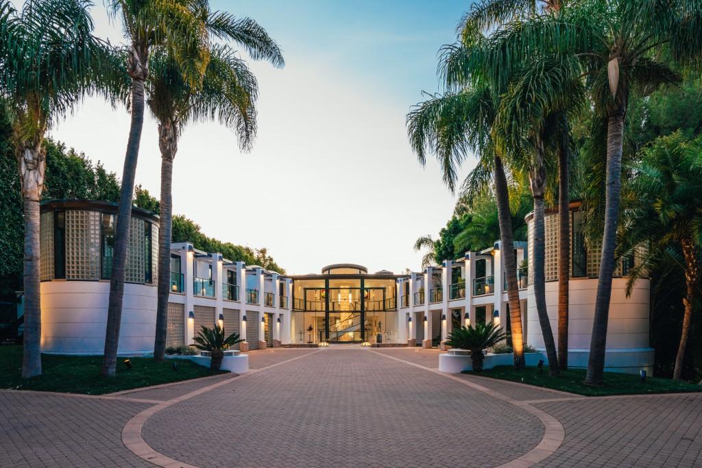 modern Malibu estate long driveway