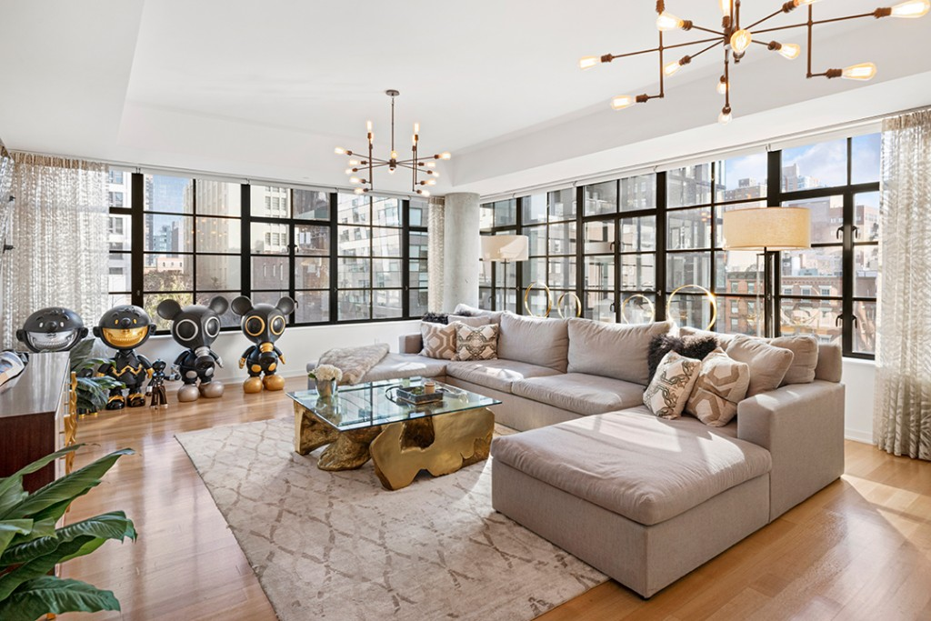 Living room in Carmelo Anthony's Chelsea apartment