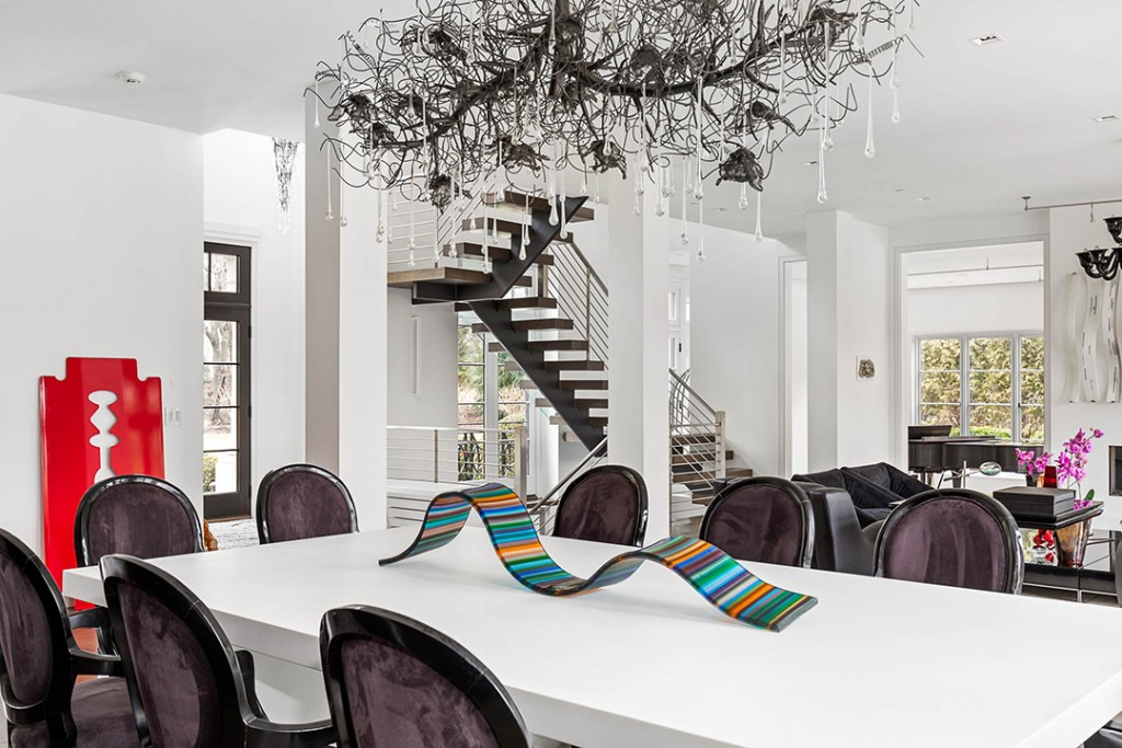 Renowned Artist Lists Imaginative Westchester Estate For 7 199m Dining Table