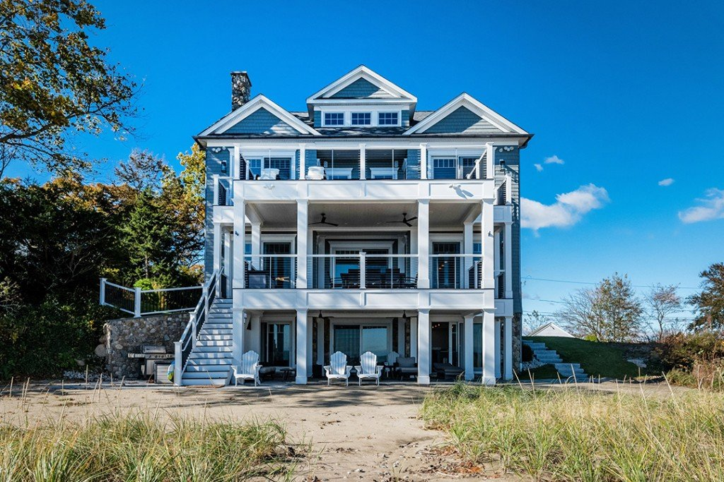 Eye Catching Beachfront Home In Clinton Ct Wants 3 25m Exterior