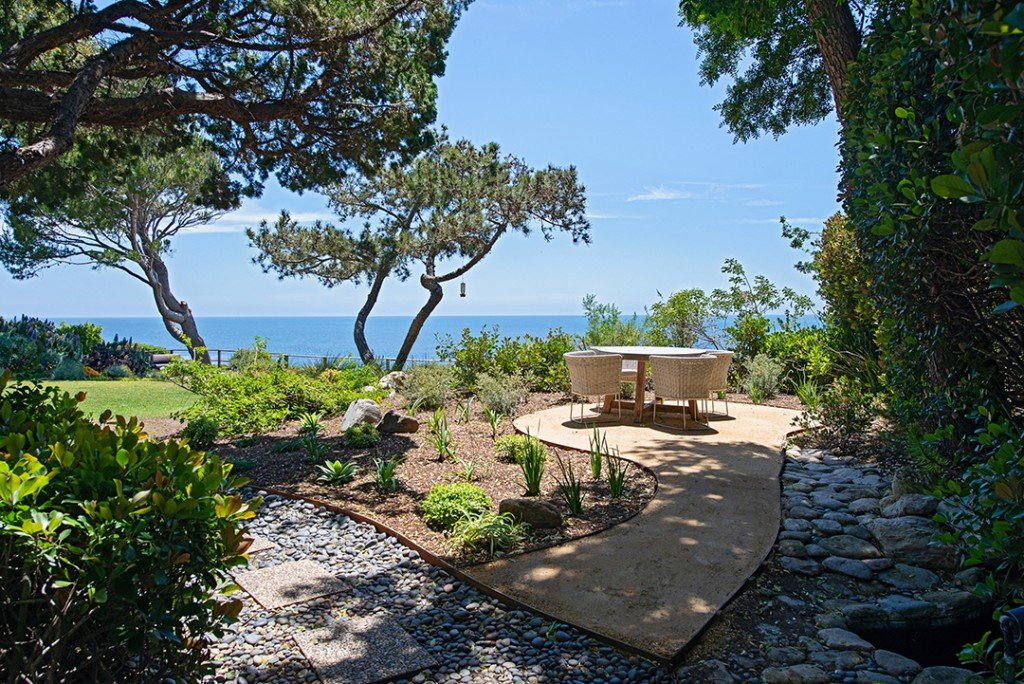 Johnny Mandel Malibu Home Outdoor Seating