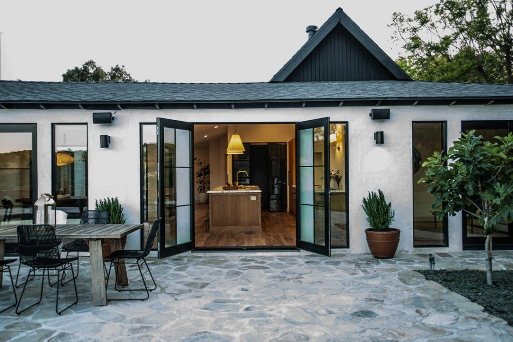Reimagined Home In Mandeville Canyon With A Focus On Nature Asks 4 7m Porch