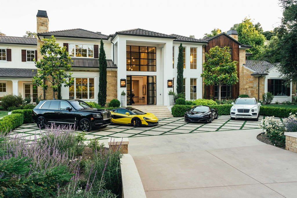 The Weeknds Captivating Hidden Hills Mansion For Sale 25m Exterior Cars