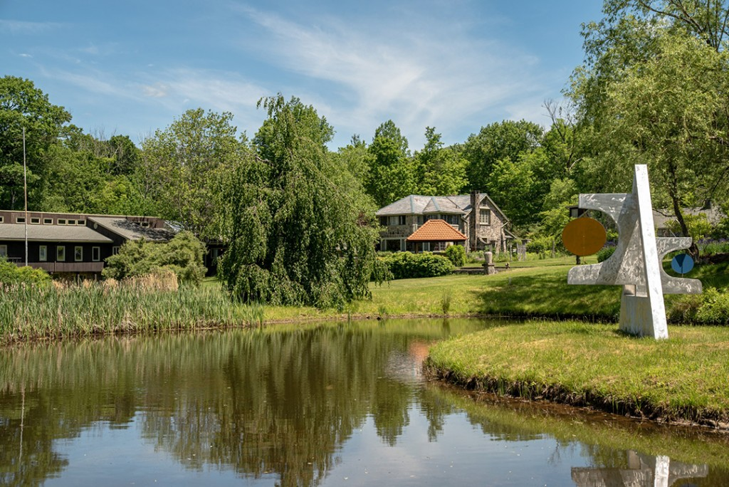 Co Creator Of Iconic 1969 Woodstock Festival Lists Home Right Nearby Pond