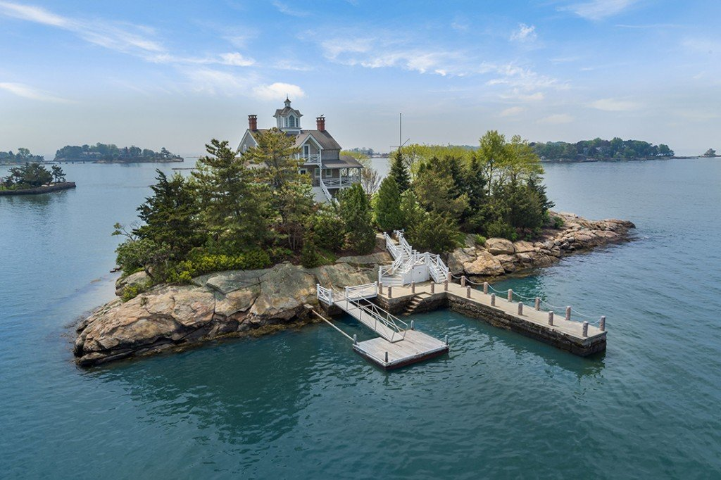 Live On Island Time Off The Coast Of Connecticut With These Luxe Listings Wheeler Island Facade Dock