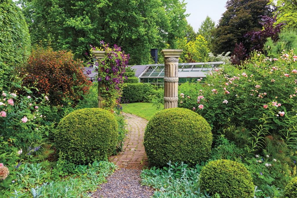 Bevacqua Garden 3138