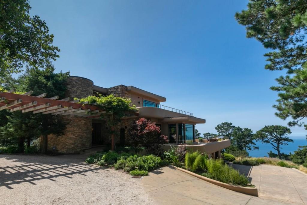 Fallingwater Frank Lloyd Wright Inspired Carmel Driveway