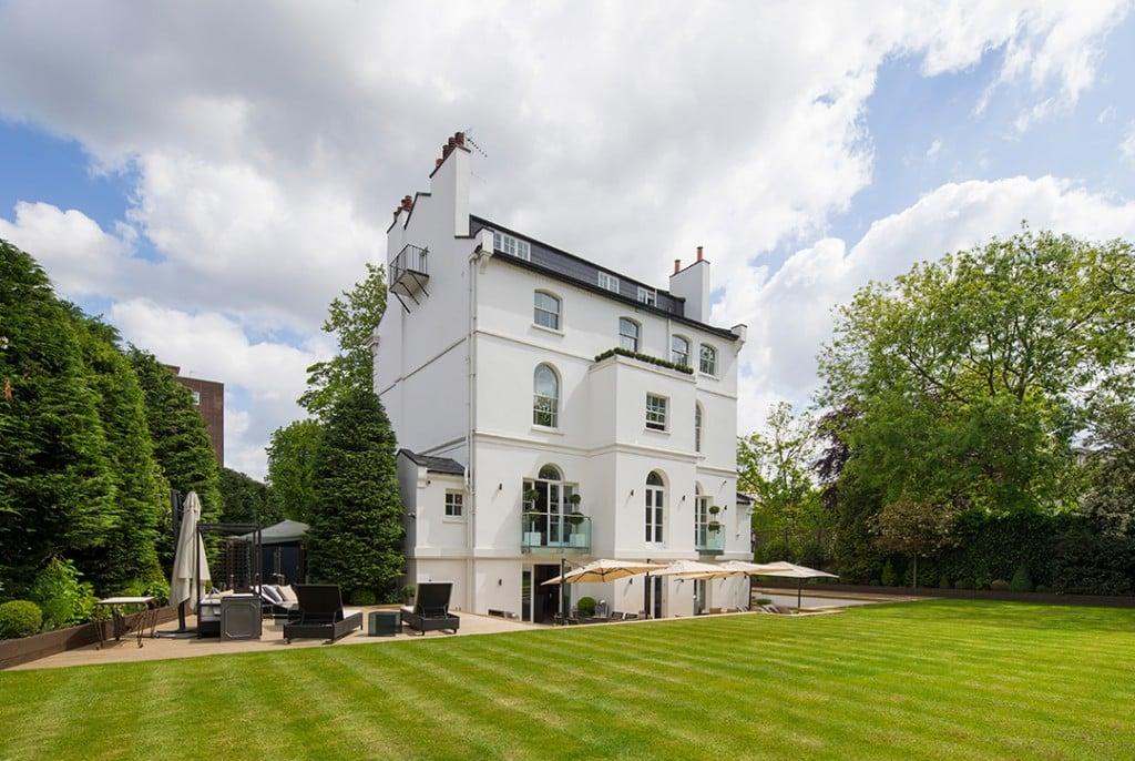 Rihannas Posh Former Long Term London Rental Lists For 41m Garden Terrace Back