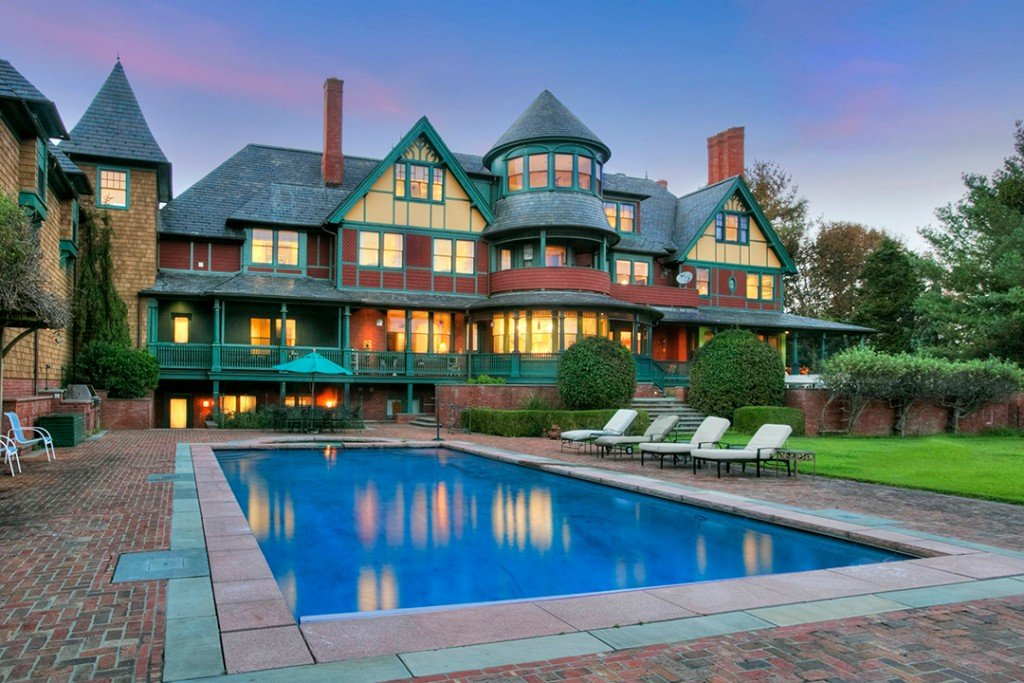 Fanciful Queen Anne Style Mansion Lists For 9 5m In Fairfield Ct