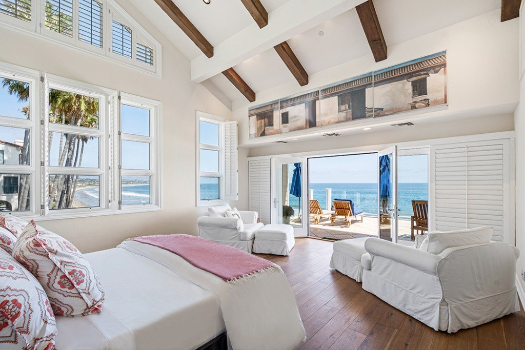 Modern Family Creator Steven Levitan Seeks 16m For Malibu Haven Master Suite