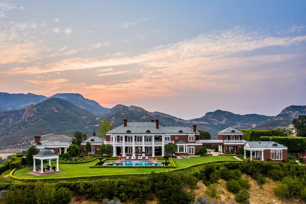 Wayne Gretzky Lists A Great Mansion In Thousand Oaks For 23m Jeremy Blair Credit
