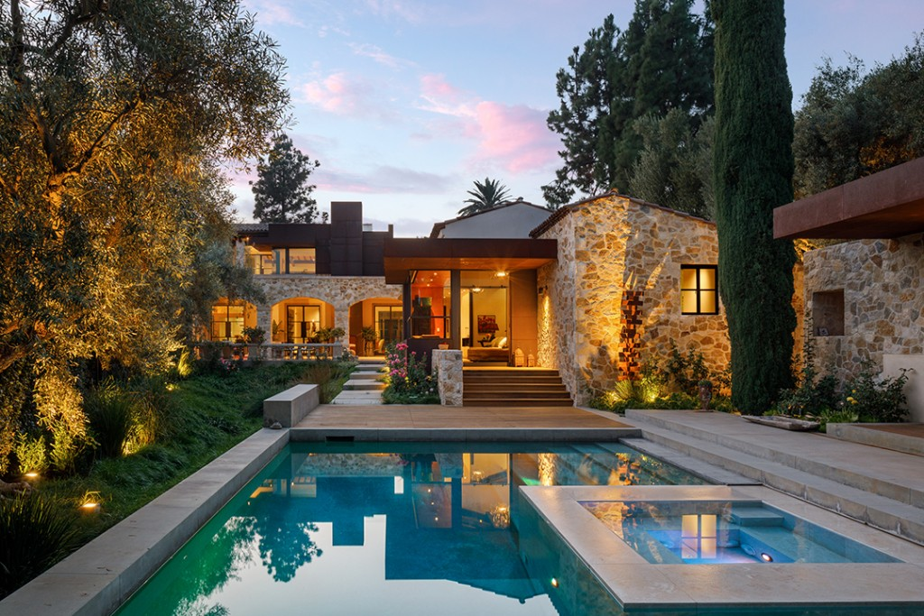 Masterful Tuscan Style Villa With Modern Twists Lists Asks 20m In Beverly Hills Exterior