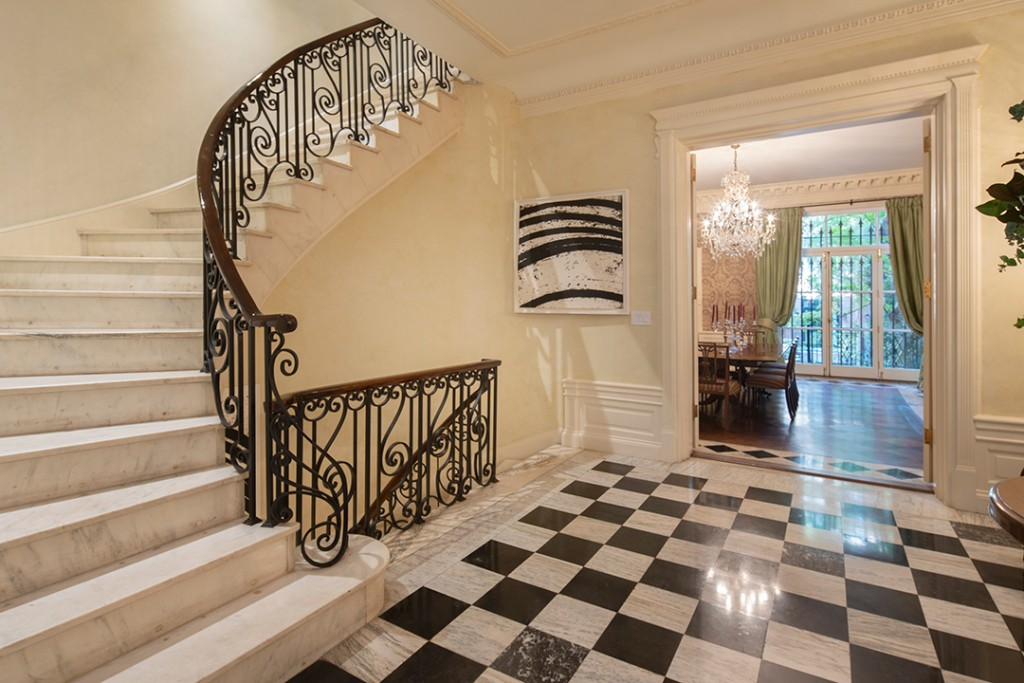 Upper East Side Childhood Home Of Gwyneth Paltrow Lists For 15 5m Foyer
