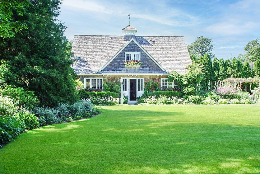 Actress Candice Bergens East Hampton Home Lists For The First Time 72 Lily Pond Lane Poolhouse