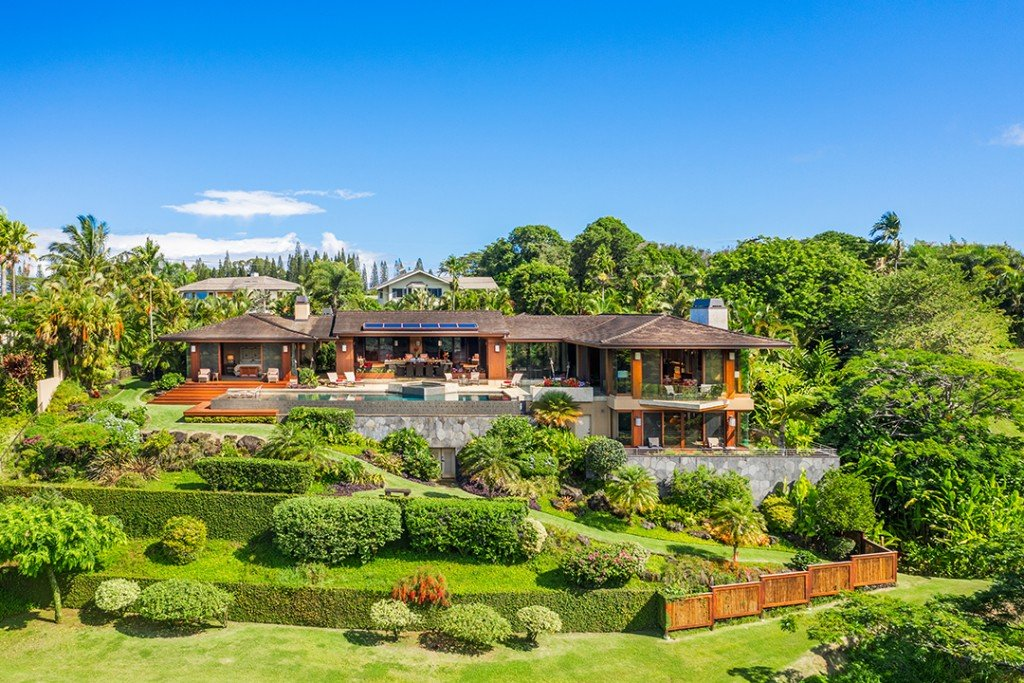 Explore A 27 8m Hawaii Utopia With Spectacular Views Gardens