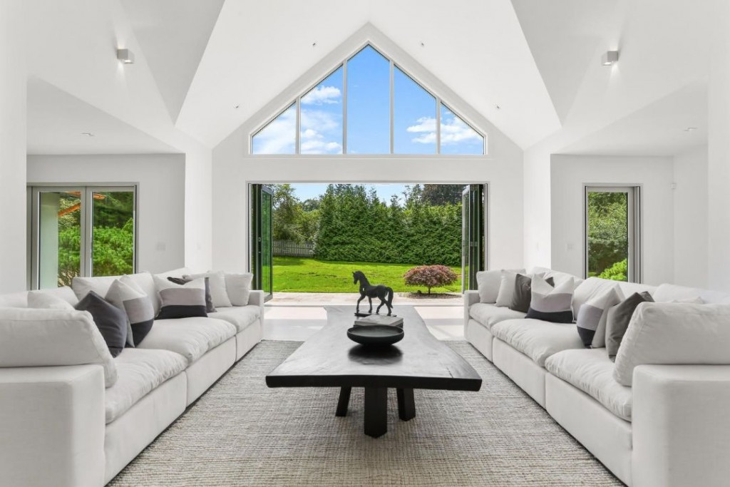 New Canaan Ct Modern Great Room
