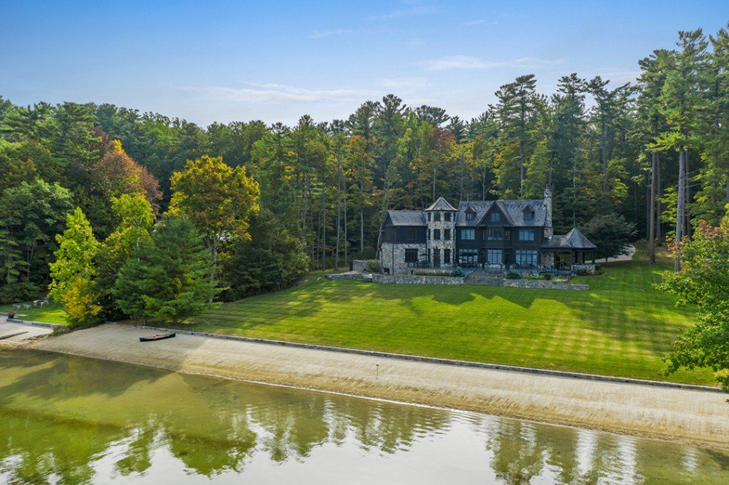 Palatial Craftsman Style Home On The Twin Lakes Of Connecticut Asks 8 5m Exterior