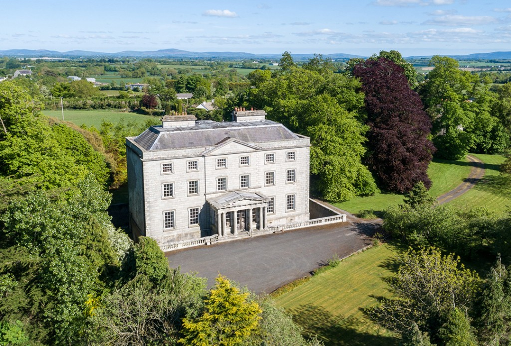 Restoration Ready A Regal Ireland Mansion In Need Of Love Asks 1 2m Exterior