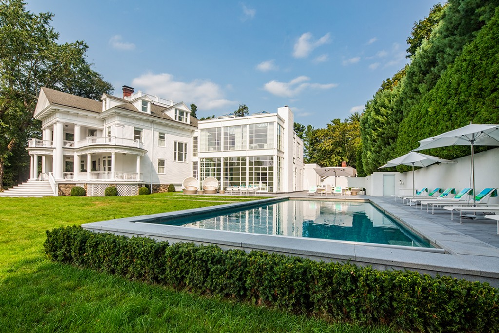 A Spectacularly Sporty Estate Seeks 12 9m In Greenwich