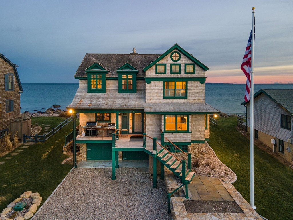 Charming Oceanfront Home In The Ocean State Asks 4 29m Exterior