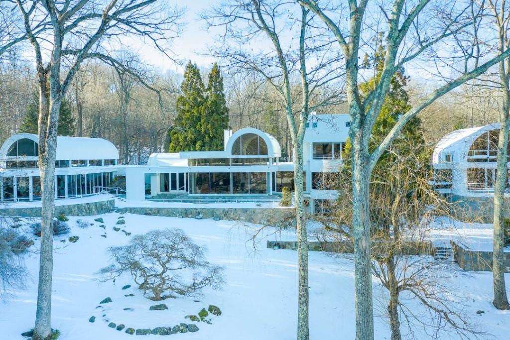 Moma Curator Pound Ridge Home Rear Exterior